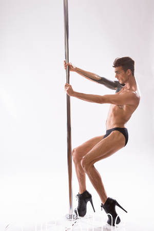 Elle Aime Photography by Leah Marie - Seanmichael Pole (4 of 11)