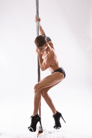 Elle Aime Photography by Leah Marie - Seanmichael Pole (7 of 11)